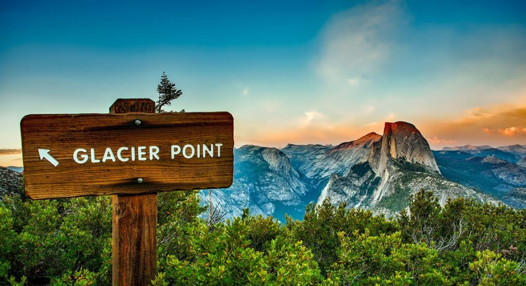 Point de vue de Glacier Point au parc national de Yosemite